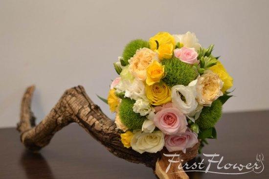 Buchet Nunta Cu Flori Pastelate Verde Roz Pal Galben First Flower
