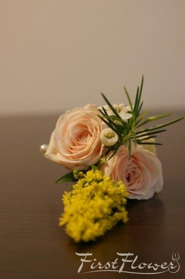 Flori Naturale De Pus In Piept Pentru Nunta Mini Roze Ivoire