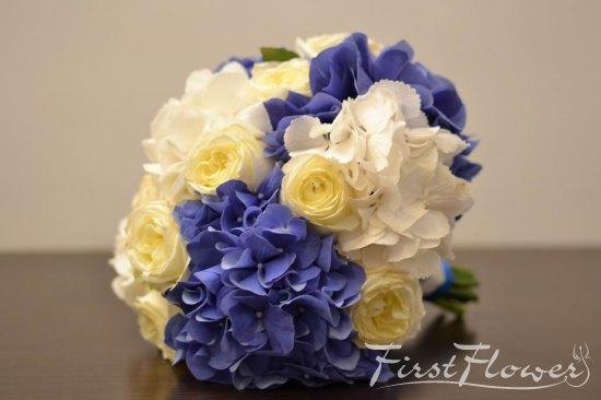 Buchet Mireasa Cu Albastru Si Alb Hortensie Albastra Si Trandafiri