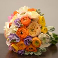 bridal-bouquet-with-ranunculus-fressia-and-david-austin