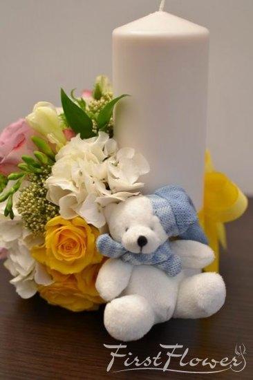Lumanare Pentru Botez Cu Hortensie Alba Trandafiri Lila Si Ursulet